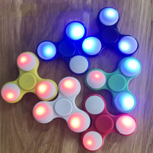 Doub K Led lanterns Fidget Spinner plastic Tri-Spinner Fidget Toy Glowing finger Hand Spinner For ADHD Stress Relief puzzle Toys