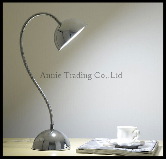 Modern Goose neck LED Eye-care Desk Lamp Office Study Bedroom Bedside Reading Lamp Remote switch Table Light Adjustable fixture