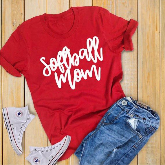 Softball Mom Shirt Hipster Graphic Slogan Casual T-Shirt Softball Sports Mom Tops Unisex Summer Red Clothing Camisetas Shirts