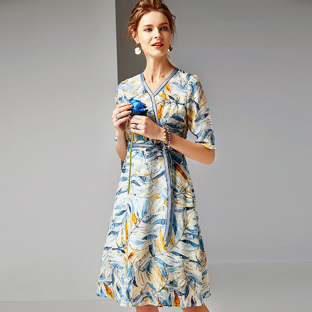 Dress Women 100% Silk Fabric Printed v Neck Half Sleeves High Waist Sashes Casual Style Dress New Fashion Spring 2019