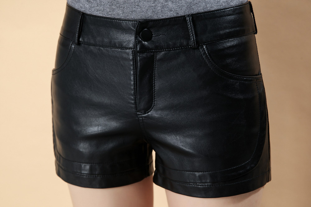 2018 Hot Sales New Autumn Winter Women faux leather   Shorts   PU Leather Solid Black Color Female Streetwear   Shorts   Women Fashion