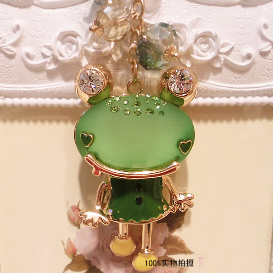 New Arrival Cute Resin Frog Fashion Lover Keychain Bag Car Jewelry Souvenir for Women and Men