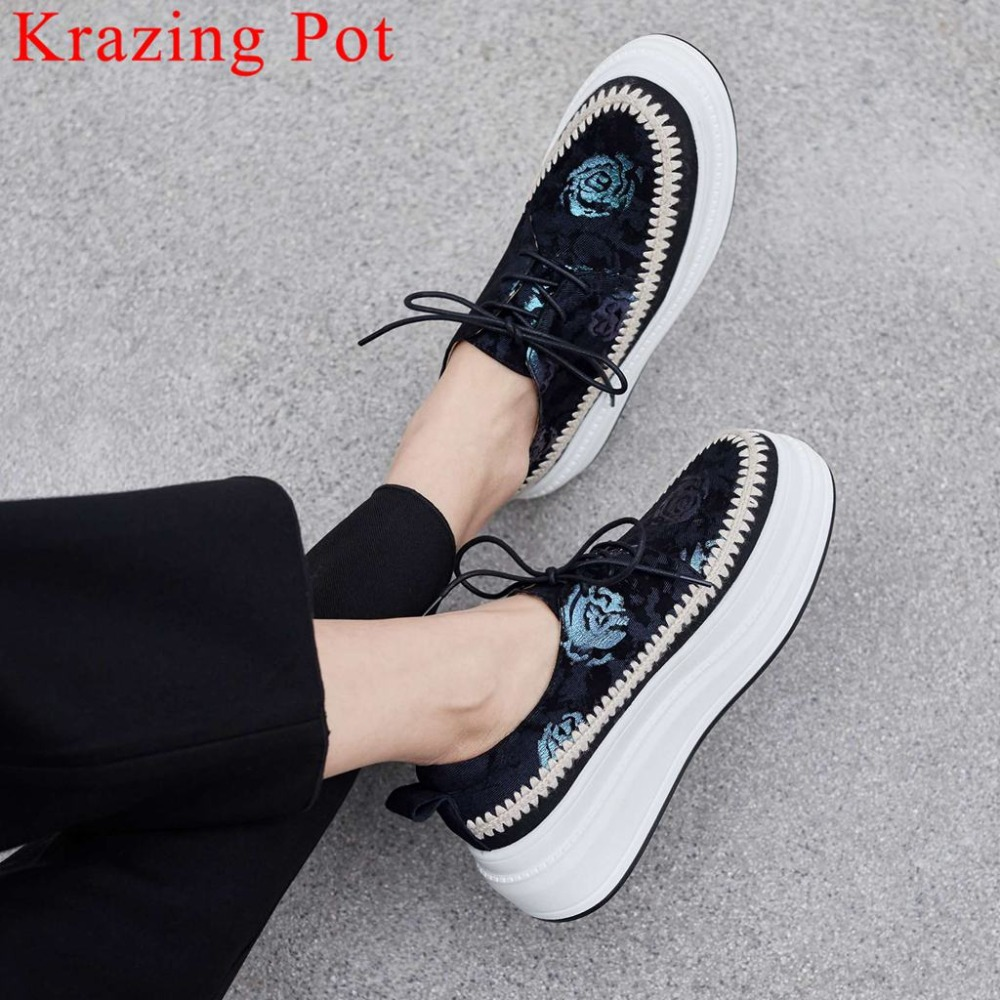 2019 new design flowers thick high bottom waterproof lace up sheep leather round toe concise style