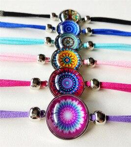 Image 5 - Jiangzimei 24 teile/los Bandana Paisley Mandala Blume armbänder Ethnische Retro Stil Glas cabochon Leder Armband paty geschenk