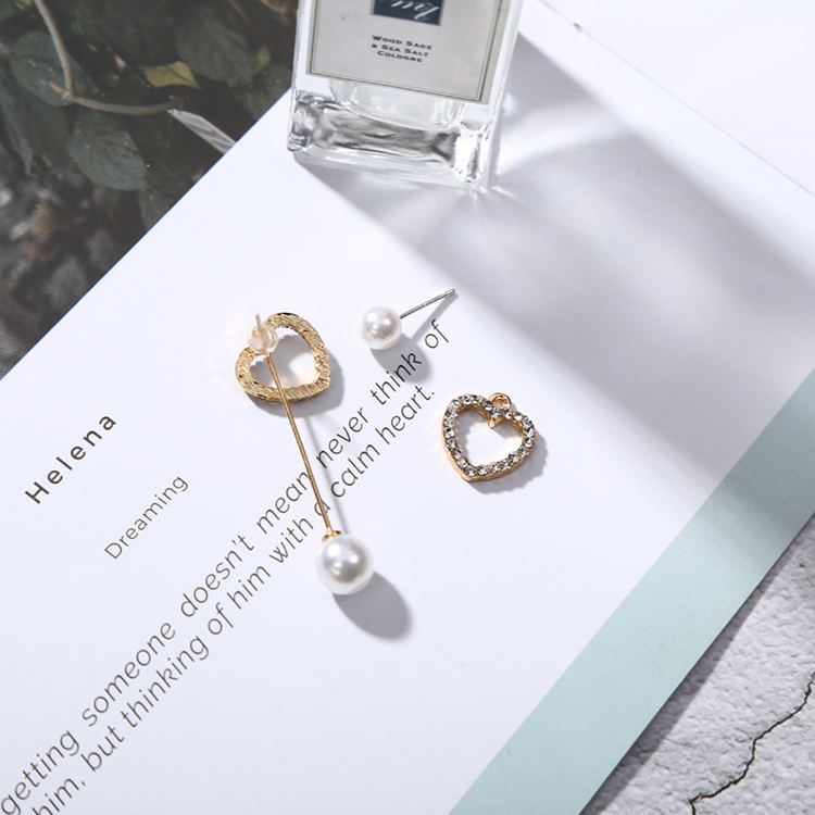 Shiny-Crystal-Love-Heart-Asymmetric-Earrings-for-Women-Fashion-Simulated-Pearls-Long-Chain-Earrings-Jewelry-Gifts (1)