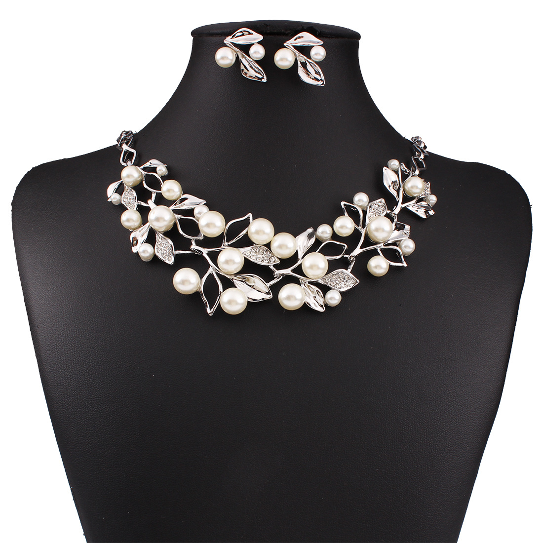 Hot Selling New Fashion Luxurious Big Imitation Pearl Short Clavicle Chain  Necklace Earrings Dubai Jewelry Sets