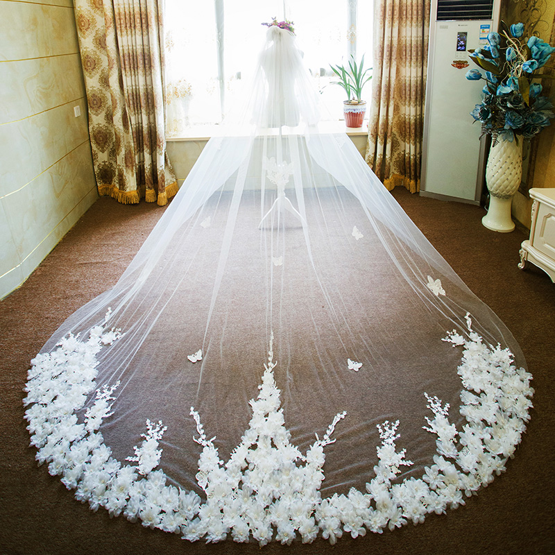 New Arrival 4 Meters Bling Sequins Lace Edge Luxury Long Wedding Veils with Comb High Quality