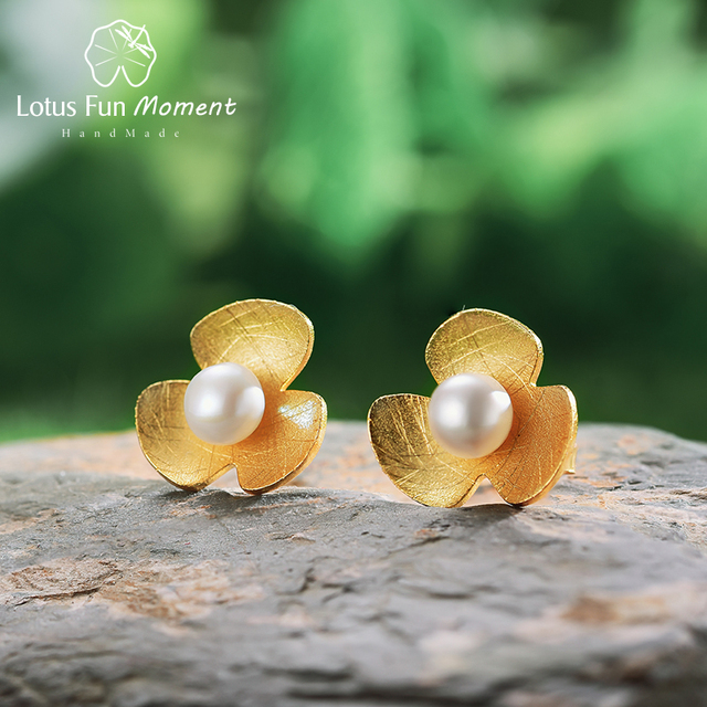Lotus Fun Moment Real 925 Sterling Silver Natural Pearl Handmade Fasion Jewelry Fresh Clover Flower Stud Earrings for Women