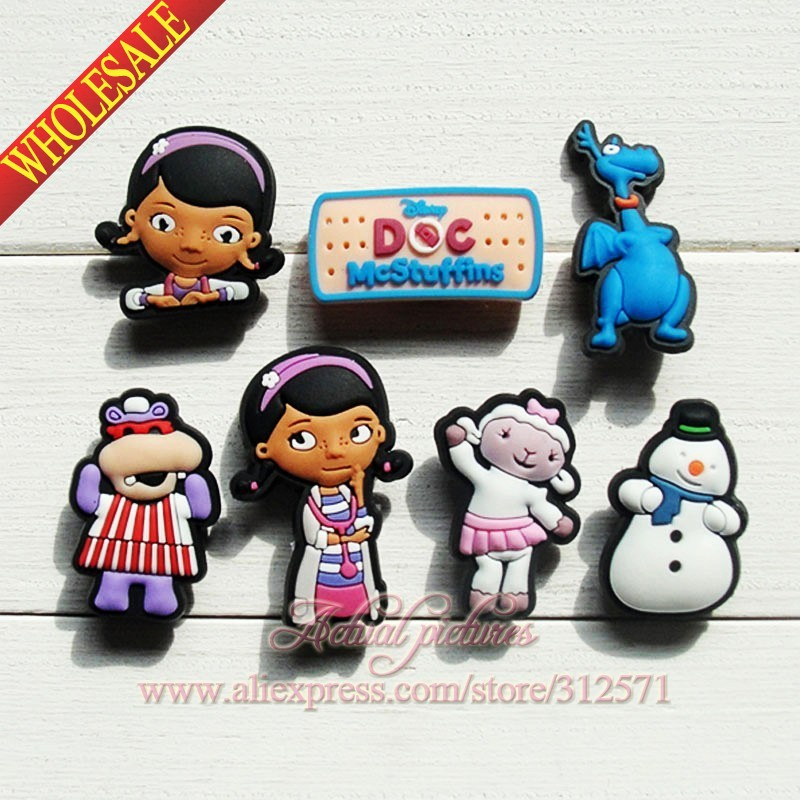Free shipping 7pcs/Lot Doc Mcstuffins PVC shoe decoration/shoe charms/shoe accessories for Wristbands Party Favor Gift 9pcs lot the secret life of pets pvc shoe charms shoe accessories shoe decoration for shoes wristbands kids xmas gift