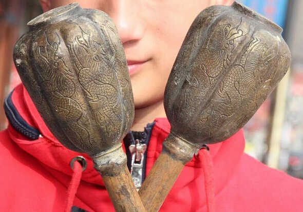 """SCY 1114 + + + 21 """"Old Chinese Bronze Naga Binatang gada senjata palu persenjataan Pair Statue"""