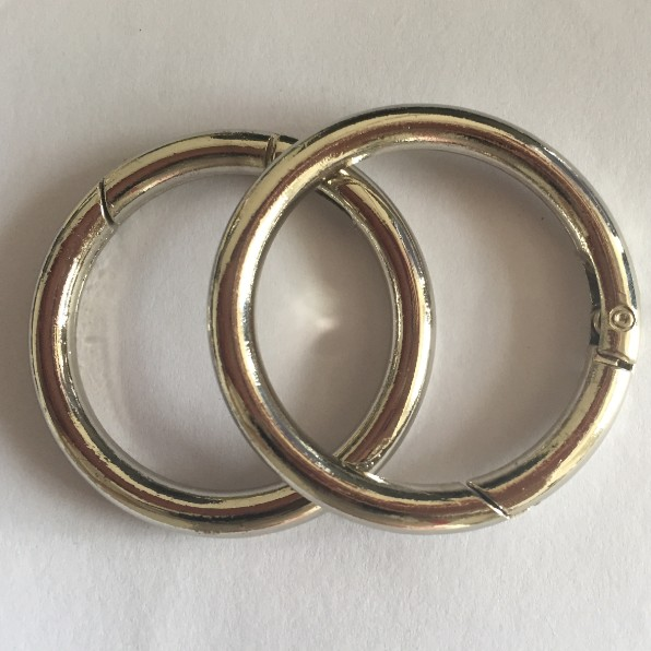 Zinc Alloy Nickel Finish Spring Gate O Ring With Diameter 1.5 inch ...