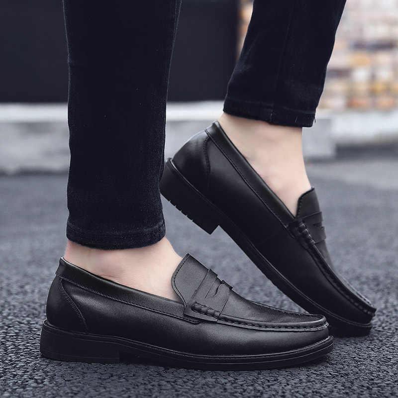 Handmade ผู้ชายสีดำสิทธิบัตรรองเท้า Slip - On ของแท้กระชับรองเท้าหนังนุ่มรองเท้าแตะสำนักงานธุรกิจอย่างเป็นทางการชายรองเท้า