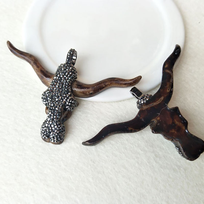5pcs/lot horn cattle Tau Resin Pendant,<font><b>Longhorn</b></font> bull head oxhead <font><b>charm</b></font> rhinestone Paved for DIY jewelry necklace making PD432 image