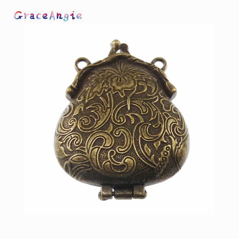 GraceAngie 2PCS 2017 Top New Trendy Charms Antik stílus Bronz mintás Locket Alloy Medálok 54 * 45 * 18MM 04113 Bezárás Bezárás