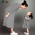 2017 matching família mãe e filha se veste roupas listradas mãe filha vestido crianças criança pai roupas Família Moda olhar
