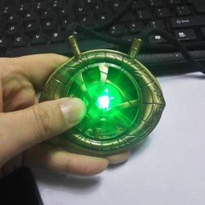 Image 3 - Doktor Strange Eye of Agamotto Cosplay naszyjnik wisiorek stop LED Light naszyjniki akcesoria do biżuterii prezent