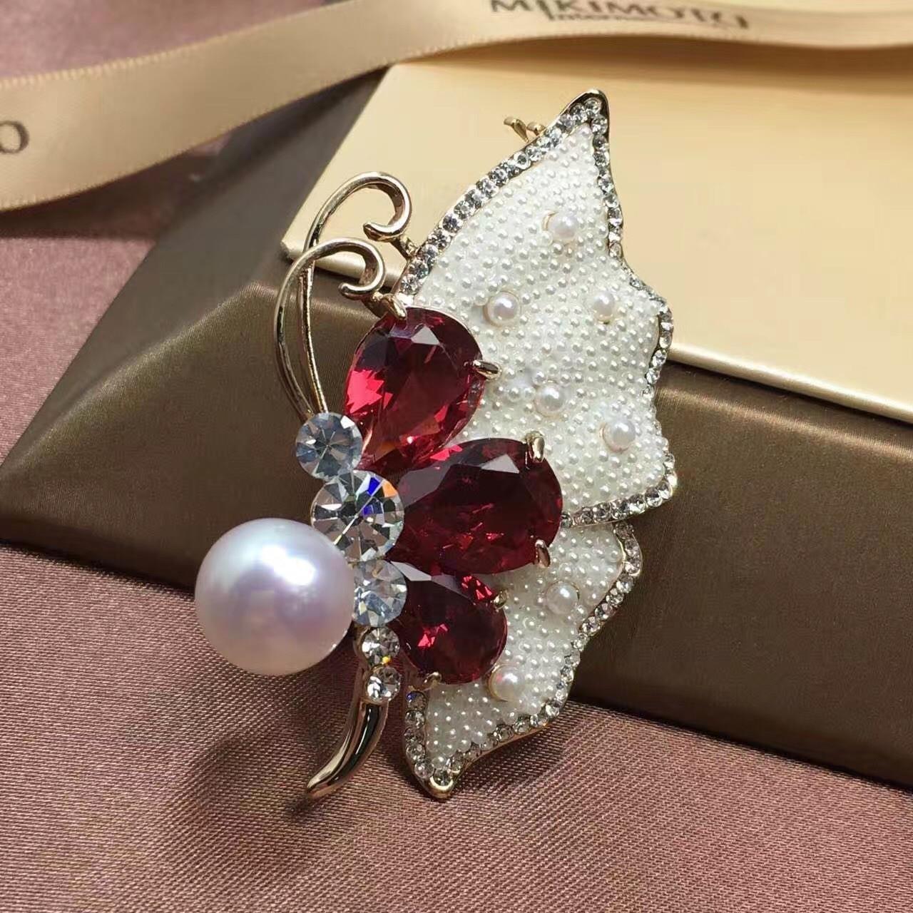 Pearl jewelry clothing brooch brooch 12-13MM freshwater pearl jewelry pearl brooch.