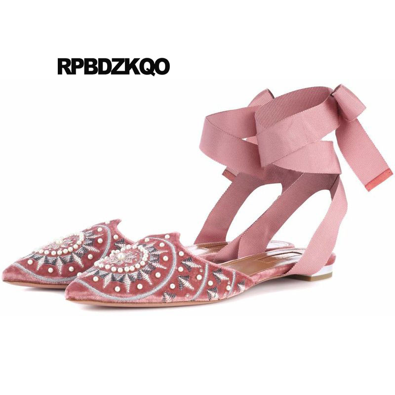 все цены на Wedding Beaded Pink Pearl Women Sandals Blue Chinese Embroidered Shoes Pointed Toe China Embroidery Designer Cute Velvet Lace Up