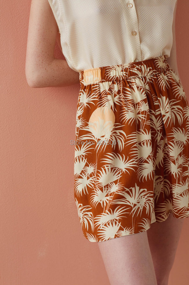 100% Viscose Vacation Style Palm Tree Print Women Shorts   2019 Women Stylish Printed Short Pants  Top Version 100% Viscose Palm-in Shorts from Women's Clothing    1