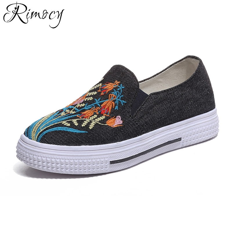 Rimocy vintage embroidery floral black denim flats women 2018 spring summer slip on flat heel canvas casual shoes woman platform vintage women flats summer new soft canvas embroidery shoes casual slip on bow dance flat sandals for woman zapatos mujer