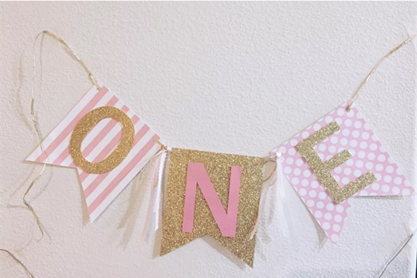Handmade Pink Gold Girl High Chair 1st birthday banner bunting Gold Letter ONE Banner baby 1th birthday Flag Baby Shower Garland