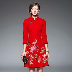 Rode Bloem Qipao Vrouwen Moderne Traditionele Chinese Nieuwe Jaar Jurk Borduurwerk Cheongsam Lange Mouw Gewaad Oosterse Stijl Jurken