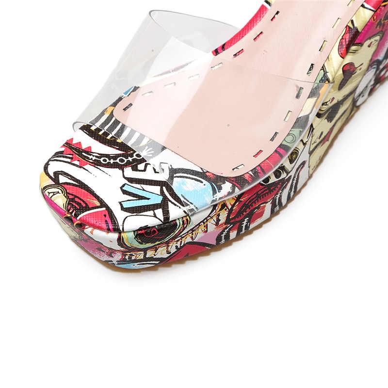 2019 נשים גרפיטי טריזי סנדל 9cm עקב גבוה 4.5cm פלטפורמת שקופיות כפכפים יוקרה עיצוב קיץ חוף נעלי שמלה נעליים שחור