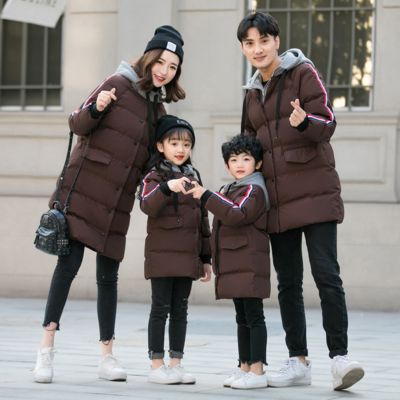 Mère fille famille correspondant vêtements d'hiver vers le bas Jackect épaissir vêtements famille vêtements maman fils tenues maman et fille robe