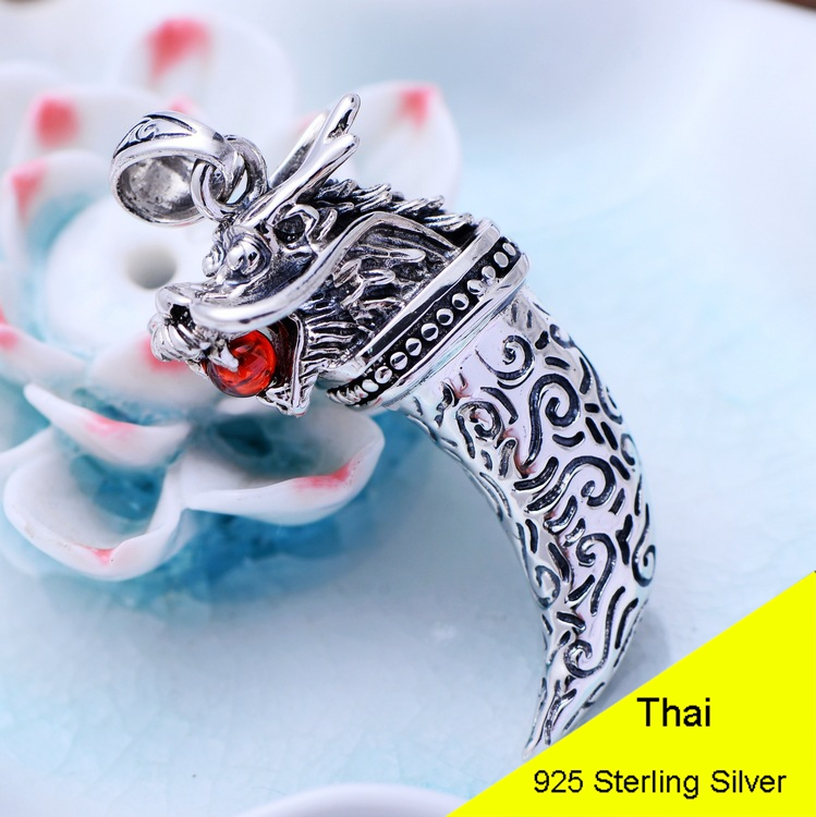 Rouge Grenat Chine Dragon Tête 925 Sterling Argent Pendentif Femmes Thai Argent Fine Jewelry Cadeau Collier Accessoires DIY CH051823
