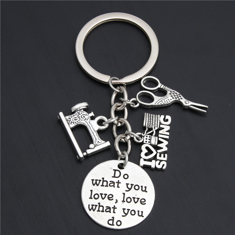 1pc Dropshipping Seamstress Key Chain Gift For Teacher Sewing Machine Jewelry Love To Sew Keyring Gift For Women E2036