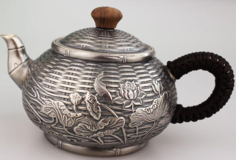 S999 999 silver teapot knit weave lotus Chinese style vintage craft artwareS999 999 silver teapot knit weave lotus Chinese style vintage craft artware