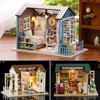 Dom dla lalek miniaturowe DIY Model domek dla lalek w meble amerykański Retro styl drewniany dom ręcznie robiona zabawka las razy Z007 # E tanie i dobre opinie Holma 5-7 lat 2-4 lat 8-11 lat Drewna away from the fire Dollhouses 21*12 5*14 5cm Z-007 Unisex DIY Doll House wooden Forest Times