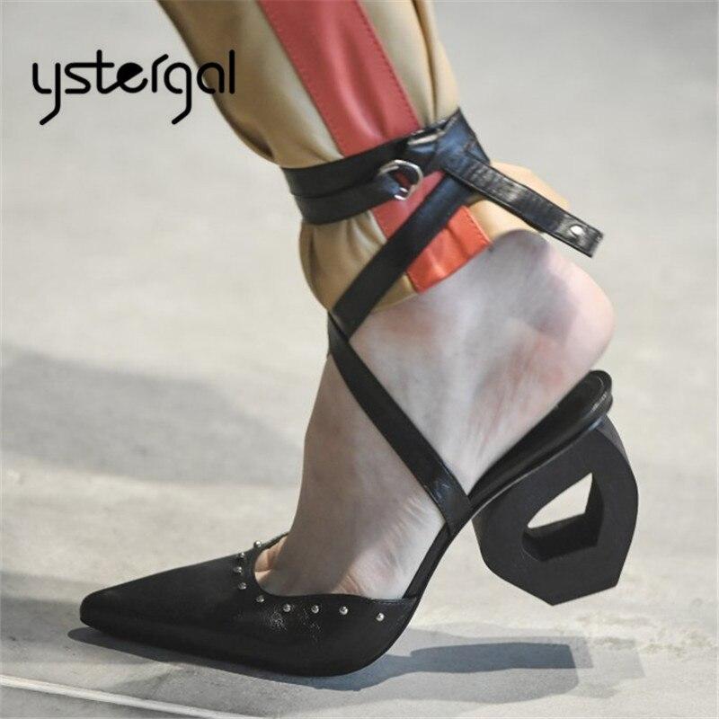 770c351462f859 blanc Talons Pointu Bout Habillées Femmes Chaussures 2019 Sandales 8 Rivets  Noir Gladiateur Sandale Sangle Pompes ...