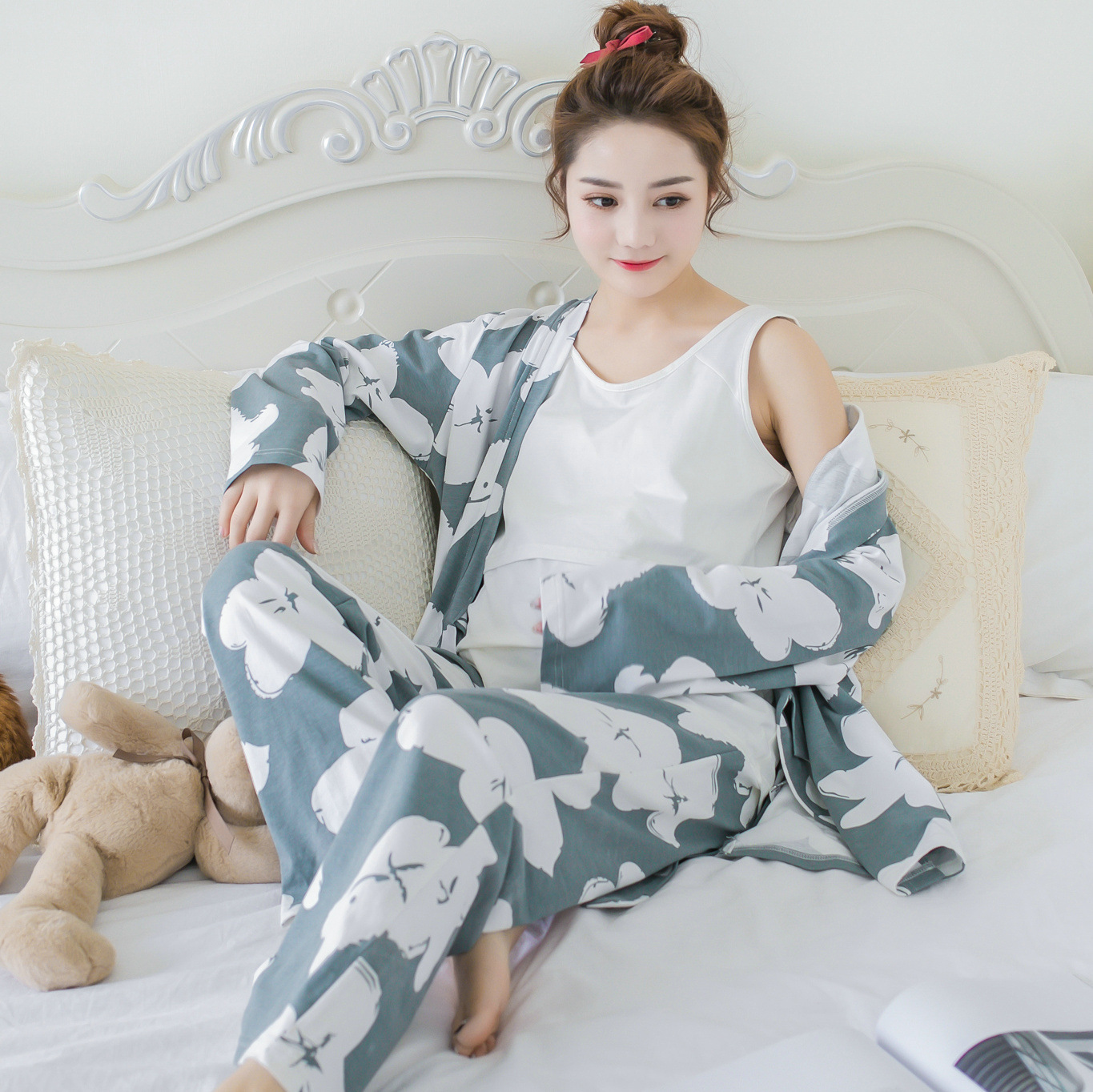 Pregnant women Spring Summer Cotton Print Long-sleeved pajamas Tracksuit suit Pregnant women Breastfeeding Three-piece cami satin two piece summer pajamas