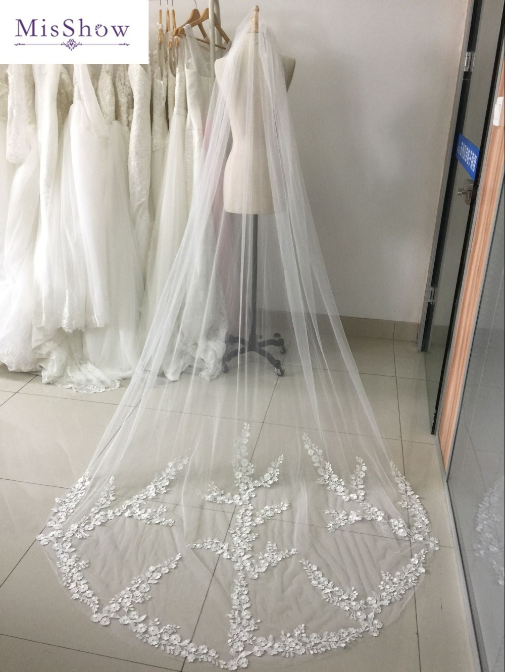 In Stock Cheap White Ivory 3 Meters Single Layer Long Wedding Veil With Comb Lace Edge Appliques Bridal Veil Wedding Accessories