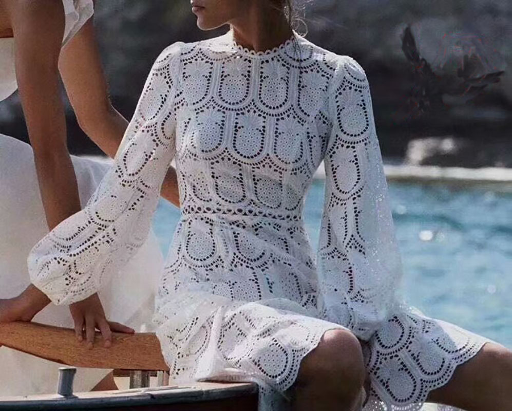 2019 Long sleeved Pineapple water soluble Lace White Dress 190218H01