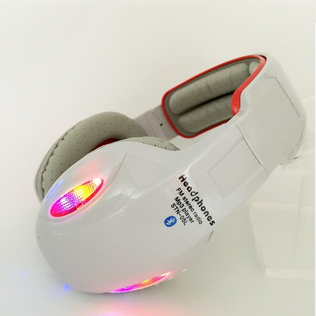 Fotografia Bluetooth Fone de Ouvido Fones De Ouvido de Rádio FM Estéreo MP3 Player Headset Headband Fone de Ouvido Legal LEVOU Fone De Ouvido Com Microfone Kubite SNT-05L