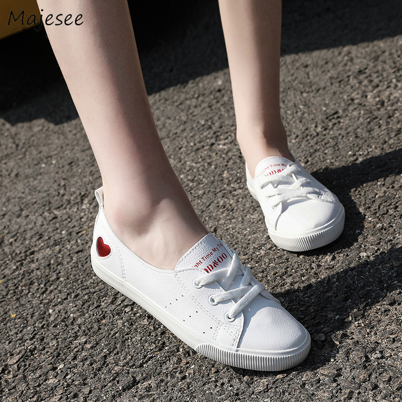 Vulcanize Shoes Women Heart-shaped Trendy All-match Cute Flat With Womens Lace-up Outside Classic Simple Chic Female Leisure New