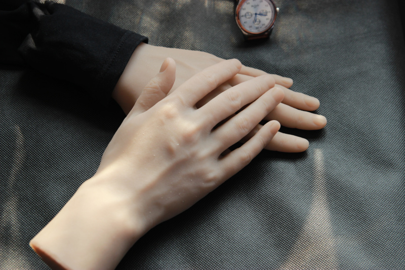 Men Lifesize Hands Soft Silicone Hand Mannequin Male Model Glove Display 1 Pair