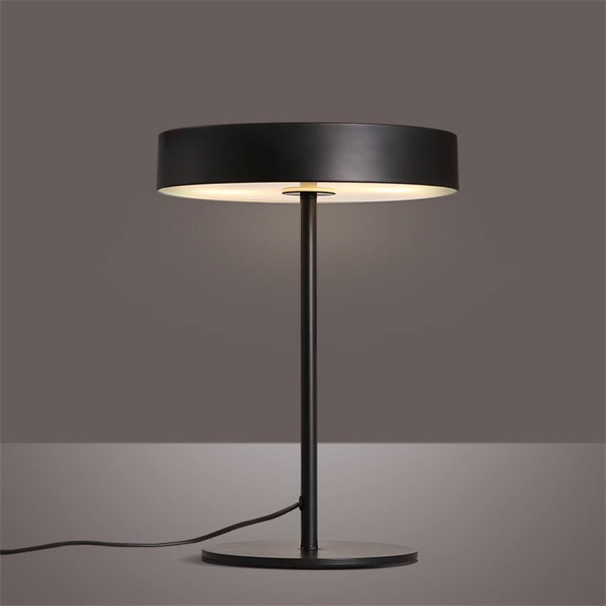 Modern Fashion Brief Iron Art Led Table LampsNordic