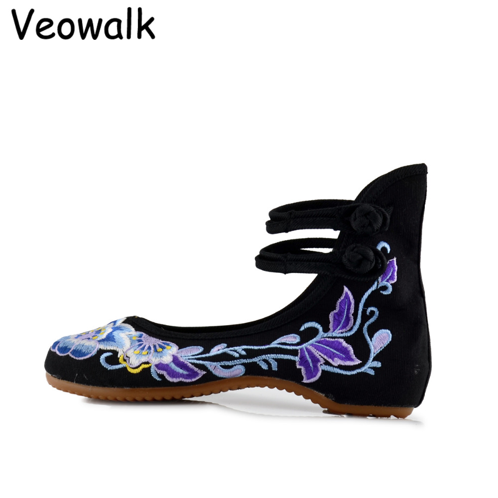 Veowalk Vintage Women Cotton Embroidery Shoes Ladies Casual Chinese Style Old Beijing Walking Flats Zapatos Mujer Size 34-41 vintage embroidery women flats chinese floral canvas embroidered shoes national old beijing cloth single dance soft flats