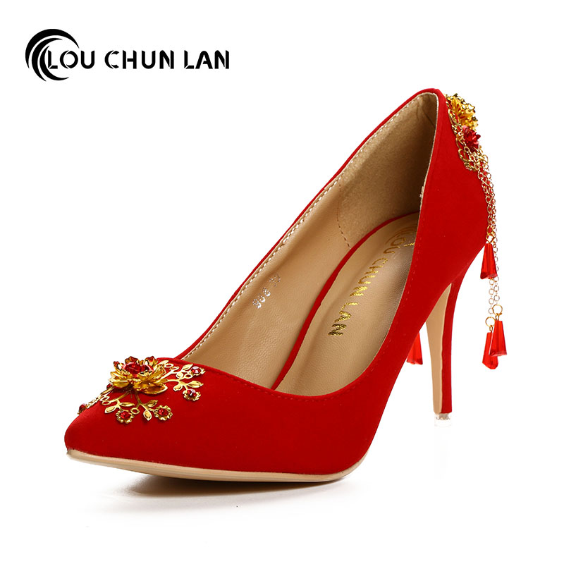 LOUCHUNLAN Red velvet chinese style wedding shoes pointed toe bridal shoes high heeled tassel gold flower formal dress shoes