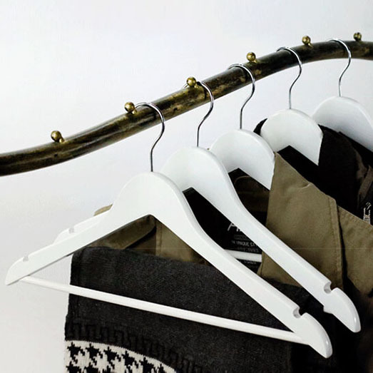 [Free Shipping] Most Popular A Grade White Wood Hanger for Clothes, Curved Style (12 pieces/ lot)