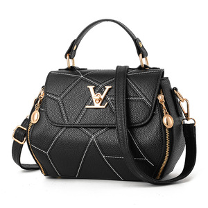Image 1 - 2019 neue Frau Mode V Buchstaben Designer Handtaschen Luxus Qualität Dame Schulter Umhängetaschen Heiße Messenger Tasche