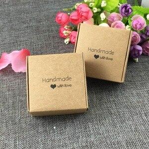 Image 2 - 50pcs 6.5x6.5x3cm Piccolo Kraft regalo di carta scatola di imballaggio, cartone kraft sapone fatto a mano contenitore di caramella, personalizzato mestiere contenitore di regalo di carta