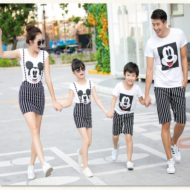 dc1a67a290 US $26.02 |2017 matching clothes,matching mother daughter clothes,father  son shirt,family matching clothes,boy girls clothes,kids sets-in Matching  ...
