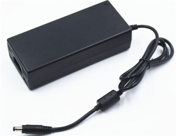 adaptador AC DC, 100-240Vac entrada 5.5*2.5 5.5*2.1