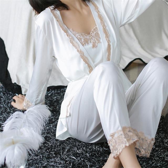 Три 3 шт. атласные пижамы женские пикантные шелковые пижамы набор выдалбливают пальто ремень жилет полная длина брюки Халат платье Набор H650
