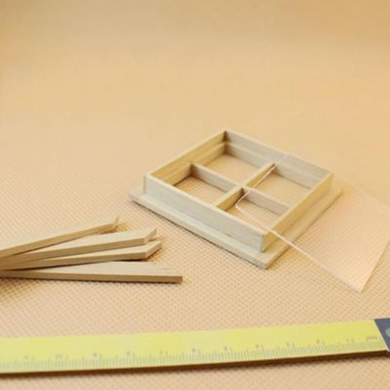 Dongzhur 1:12 Dollhouse Mini Window Model 4-grid Wooden Windows Doll House Furniture Accessories