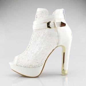 Image 2 - בתוספת גודל 35 42 אופנה סנדלי בוהן ציוץ סקסי נשים פלטפורמת משאבות תחרה רשת עבה גבוהה עקבים נעלי קרסול אתחול קיץ Sandalet